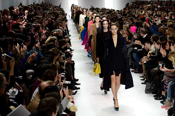 Christian Dior : Runway - Paris Fashion Week Womenswear Fall/Winter 2014-2015